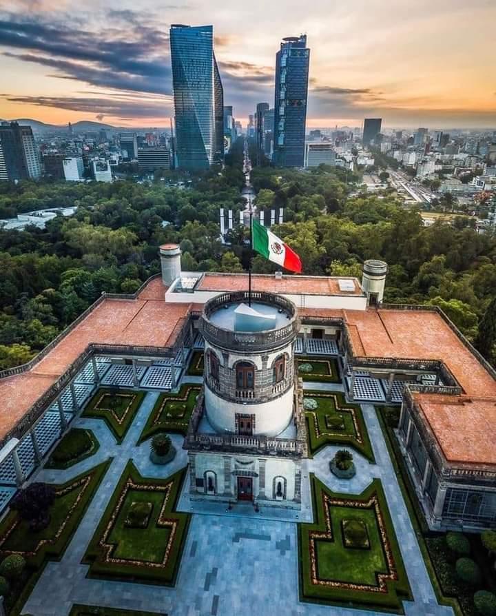 Tras más de un año cerrado, reabren el Castillo de Chapultepec